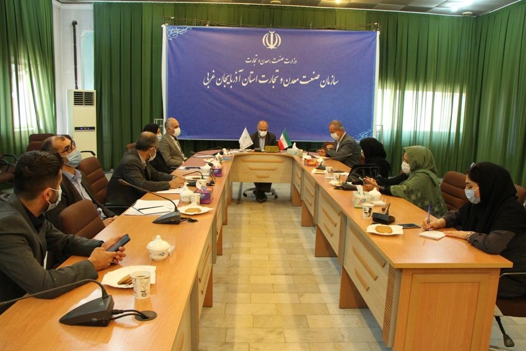 دیدار رییس و معاونان تخصصی سازمان با اصحاب رسانه پس از سفر وزیر صمت به استان